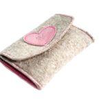 Geldbörse mit rosa Herz